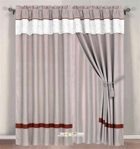 4pc Quilted Autumn Sun Floral Striped Curtain Set White