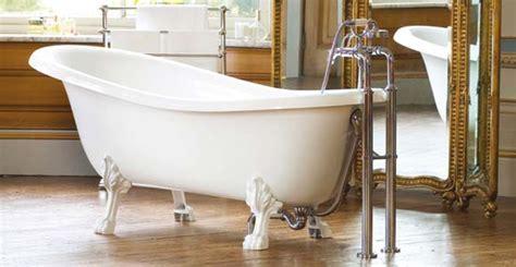 prix pose baignoire une baignoire r 233 tro dans votre salle de bain prix pose