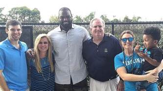 Who Played The Father In The Blind Side Michael Oher S Family The Pictures You Need To See