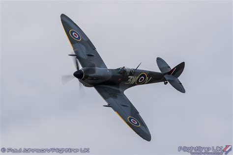 preview biggin hill festival  flight  uk airshow information  photography