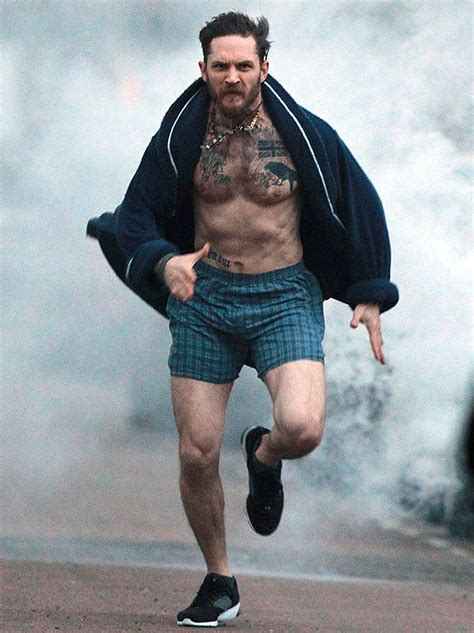 thomas hardy half a 067473789x tom hardy looks mardy in half run through london tom hardy toms and tom hardy married
