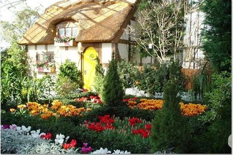 Lewis Botanical Gardens Cottage In Conservatory Picture Of Lewis Ginter Botanical Garden Richmond Tripadvisor