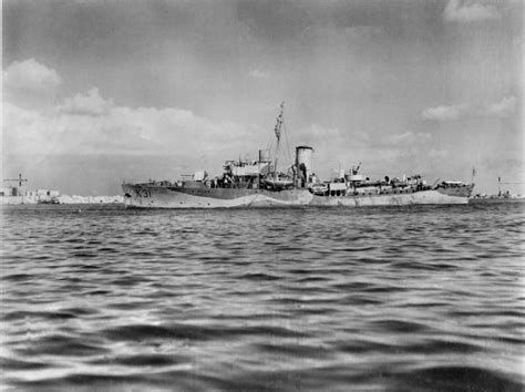 Cammelia Navy hms camellia k31 on 7 march 1941 serving as escorts for