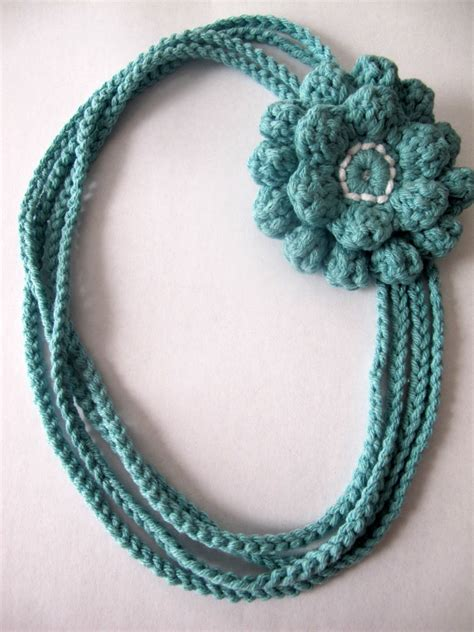 crochet pattern flower necklace love city get hooked 4 the crochet chain necklace