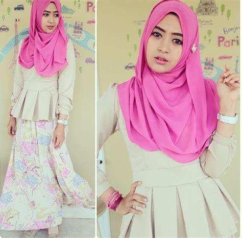 tutorial jilbab pashmina ala natasha farani til feminin dengan rok skirt ala hijaber natasha farani