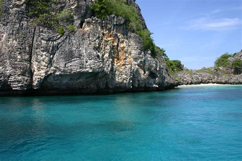 asia popular   beaches  visit   world