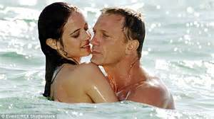 daniel craig clings onto his bond girls at spectre world quentin letts on daniel craig s lofty condemnations of