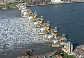 thames flood barrier how does it work thames barrier closes to prevent london flooding parikiaki