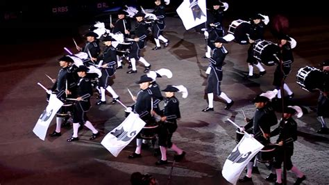 edinburgh tattoo youtube 2012 edinburgh tattoo 2012 top secret drum corps youtube