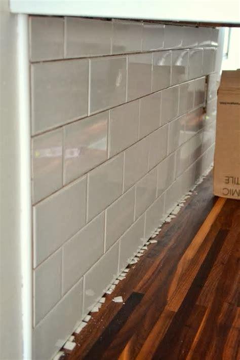 add  tile backsplash   kitchen ugly