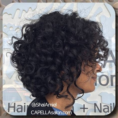 chin length naturally curly hairstyles 18 best haircuts for curly hair