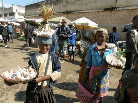 madagascar turisti per caso mercato di fianarantsoa viaggi vacanze e turismo