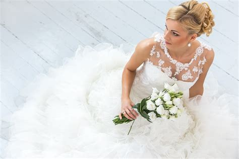 Wedding Bridal Pics by Different Types Of Jewellery For Brides
