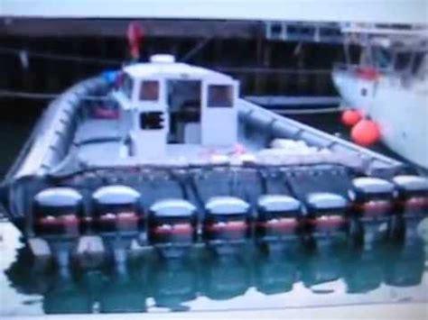 boat engine keeps running 8 yamaha 2 stroke v 6s outboard motors on drug runner boat