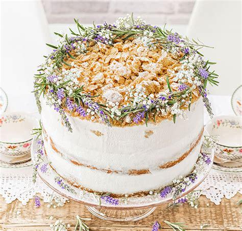 hochzeitstorte lavendel hochzeitstorte selber machen moderne hochzeitstorten deko