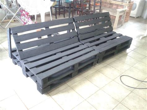 Sofa Out Of Pallets by Diy Pallet Sofa Tutorial