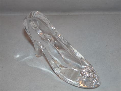 glass slipper cinderella glass slipper www imgkid the image kid