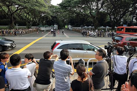 update full details of funeral procession from istana to malaysians join singaporeans to bid teary farewell to lee