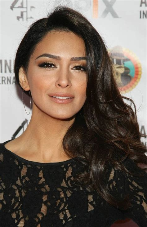 actress who had dark hair and a mole olive skin makeup olive skin and actresses on pinterest