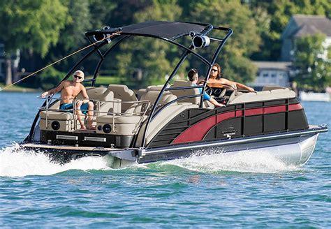 luxury inboard pontoon boats q series luxury pontoon boats by bennington