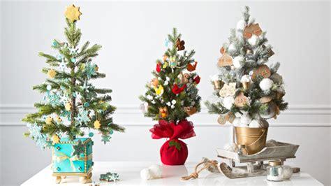 creative tree decorating themes 12 creative tree decorating ideas hallmark