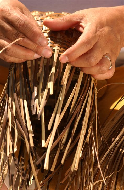 cherokee market offers traditional native american arts