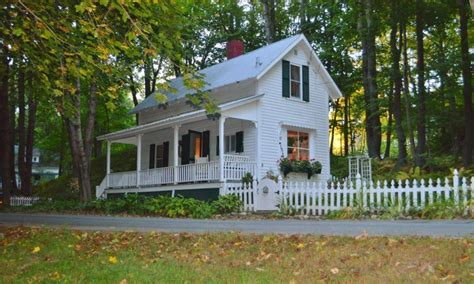tiny cottage for rent lee nh historic plymouth cottage