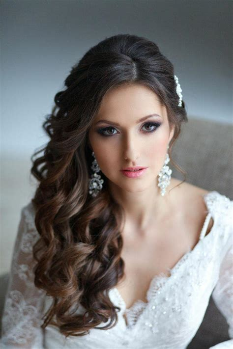 Curly Hairstyles To The Side For Wedding by 2016 Side Swept Hairstyles For Hair Hairstyles 2017
