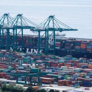 la via porto di genova il porto di genova sulla via della seta cinese repubblica it