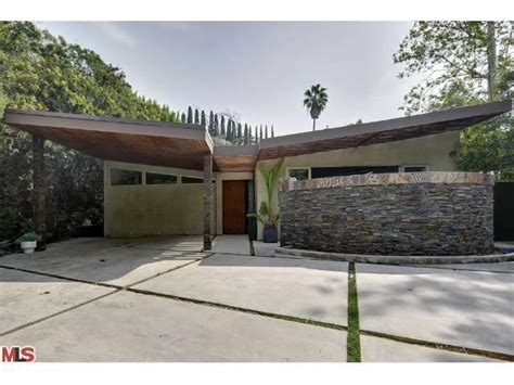 mid century architecture a lovely exle of updated mid century modern