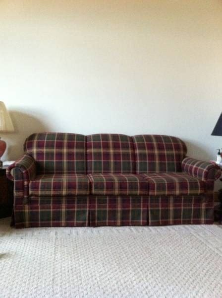 broyhill plaid couch 25 best ideas about plaid couch on pinterest couch
