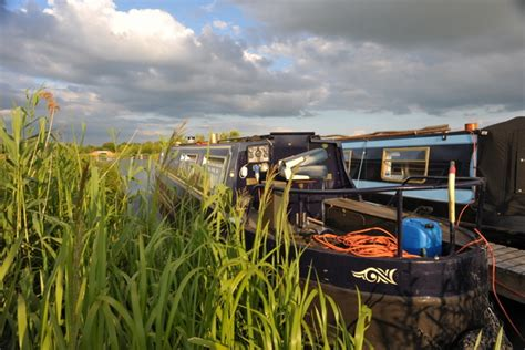 living on a canal boat uk how to choose a narrowboat to live on living on a canal boat