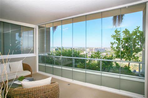 chiudere terrazzo con vetrata chiusura balcone con vetrata
