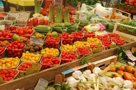 co de fiori market produce in rome s co de fiori market carnival