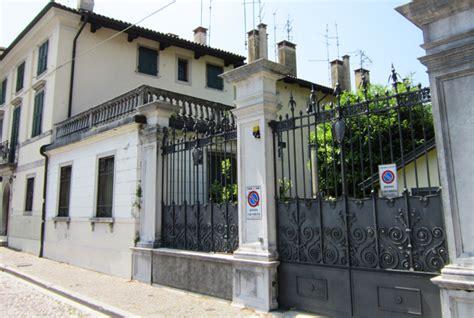 dismissioni immobiliari banche la d italia mette all asta i gioielli di famiglia c
