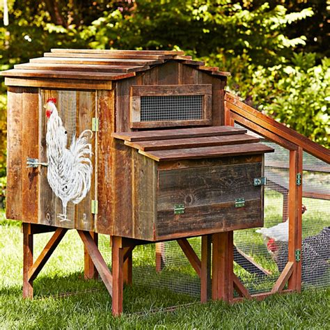 Cedar Chicken Coop Run With Planter by Chicken Coop Giveaway Enter For A Chance To Win