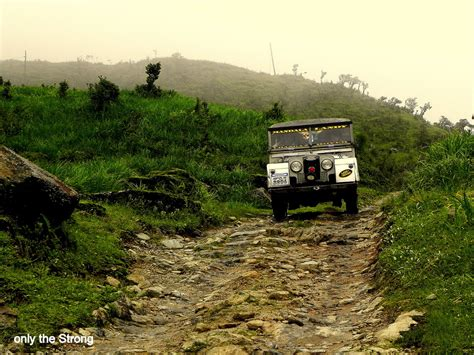 land rover darjeeling weekend trek to tumling from darjeeling by souvo chowdhury