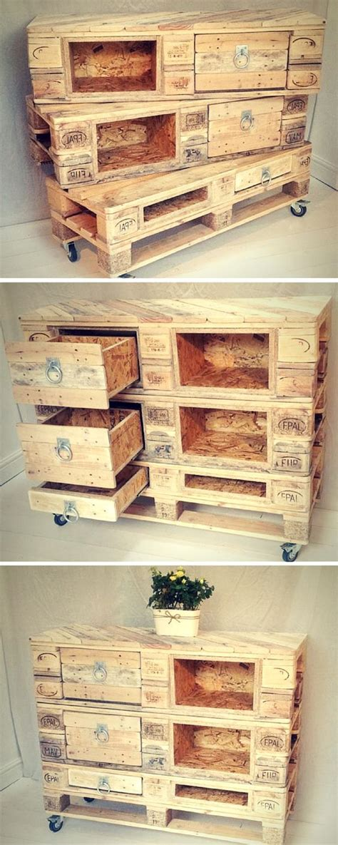 Easy Diy Drawers by 15 Easy Diy Pallet Projects That Anyone Can Do It The