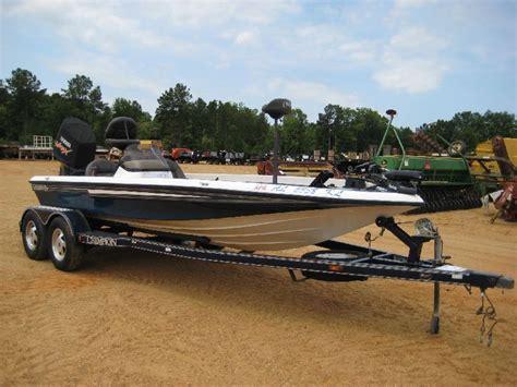 fiberglass bass boats 2001 chion 193 fiberglass bass boat