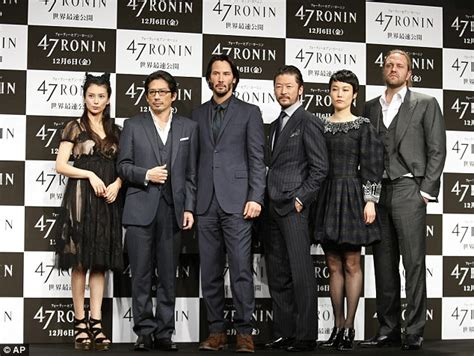 rinko kikuchi real height his excellent japanese adventure keanu reeves bows in a