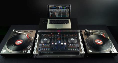 Dj Am And Trachtenberg Hook Up 2 by Get A Traktor Dvs Upgrade When You Buy A Kontrol S4