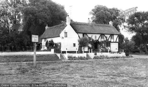 holywell the ferry boat inn c 1960 francis frith - Ferry Boat Needingworth Menu