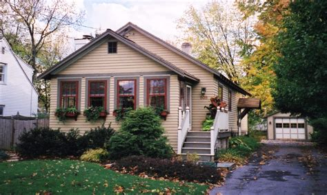 ranch house paint colors yellow bungalow exterior house colors ranch house exterior paint