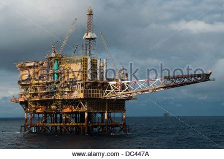 Is Pch Rigged - pch 1 oil rig working for petrobras offshore rio de janeiro cos stock photo
