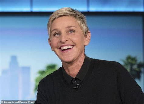Degeneres Stage Floor by Degeneres Gets On In New Prime Time Show