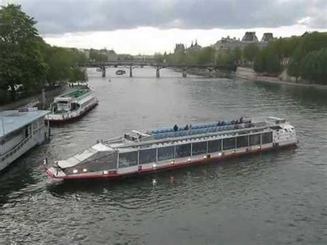 bateau mouche video bateau mouche sur la seine paris youtube