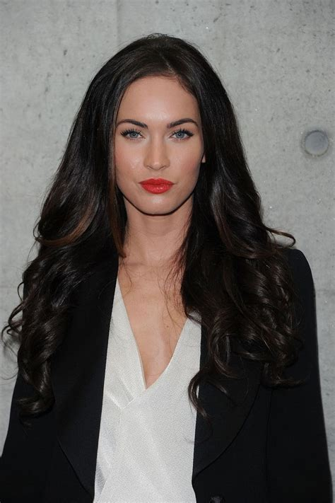 megan kelly who colors her hair red lips makeup megan fox looks makeup red lips