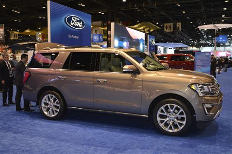 2018 Expedition Is Ford S Range Rover At The Chicago Auto