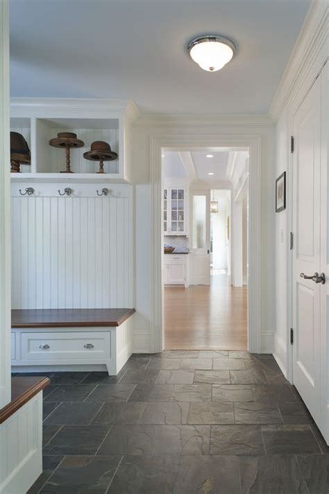 mudroom floor ideas 25 best ideas about tile entryway on entryway
