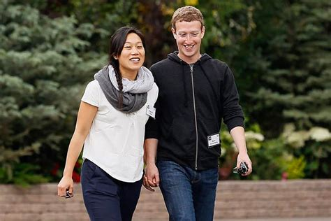 mark zuckerberg biography for students mark zuckerberg gives a thumbs up to sending undocumented